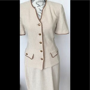 St John skirt suit size 6